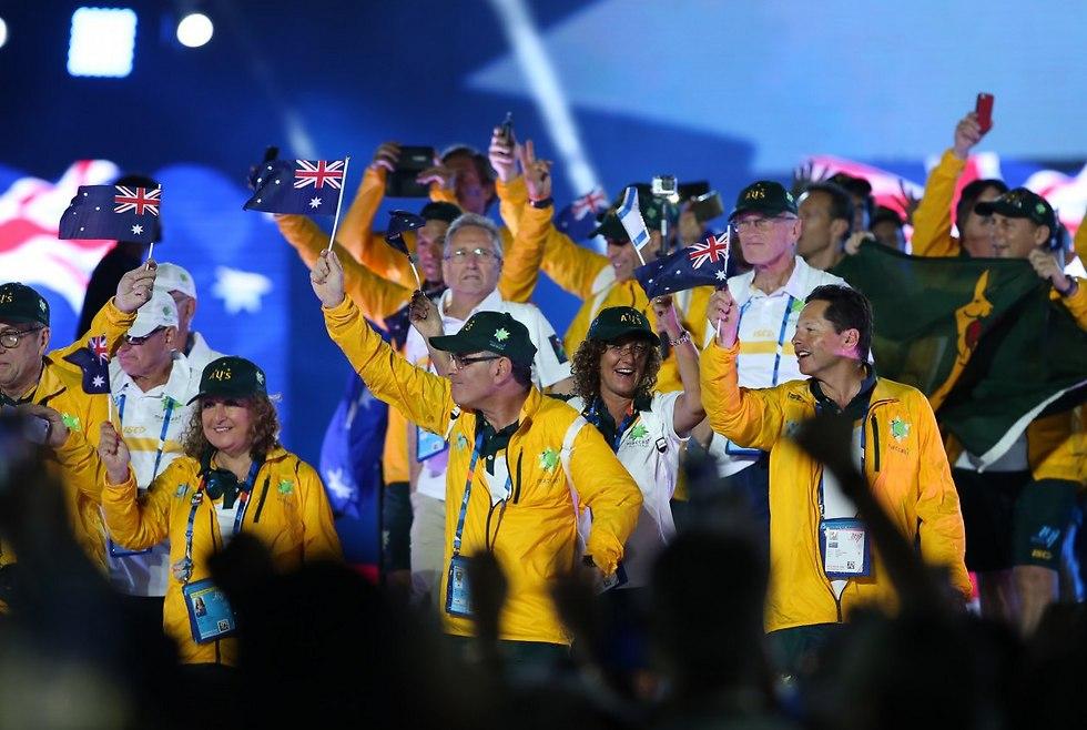 המשלחת האוסטרלית נכנסת לאצטדיון (צילום: אורן אהרוני)