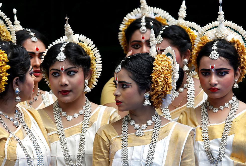 פסטיבל הכרכרות (ראת' יאטרה) בקולקטה, הודו (צילום: רויטרס)