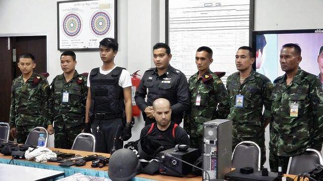נתי חדד לאחר מעצרו בתאילנד ()