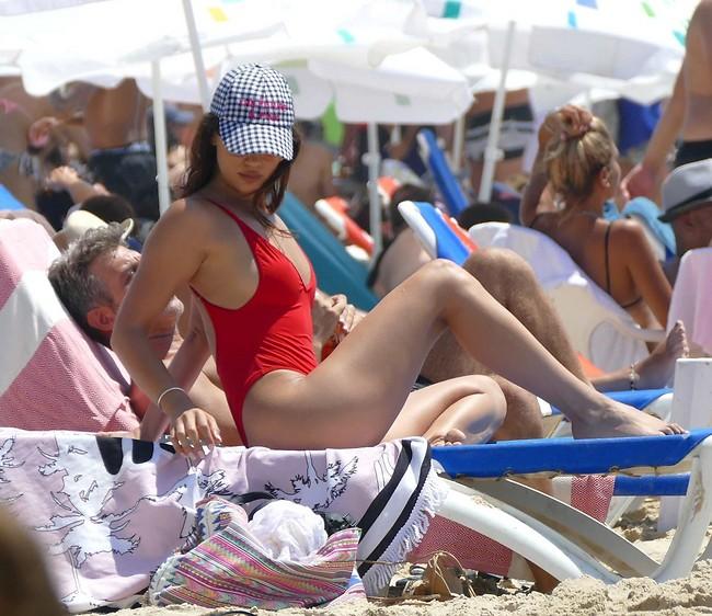 הכי לוהטת על החוף! אלמליח (צילום: אמיר מאירי)