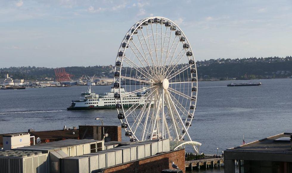 הגלגל הענק בעיר (צילום: דני שדה)
