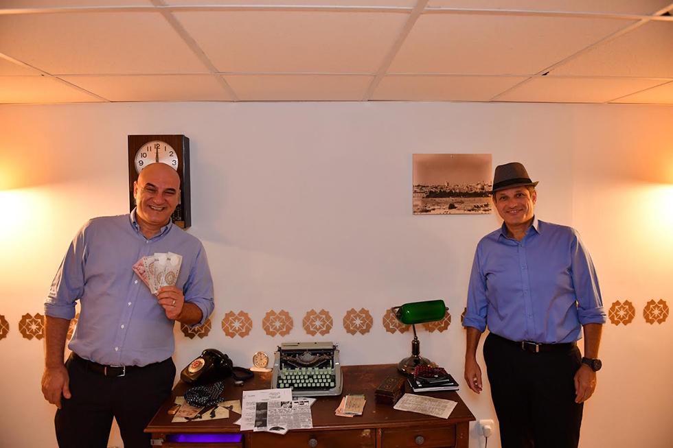 אסף שלו ואבי כהן בחדר בריחה (צילום: יהודה בן יטח)