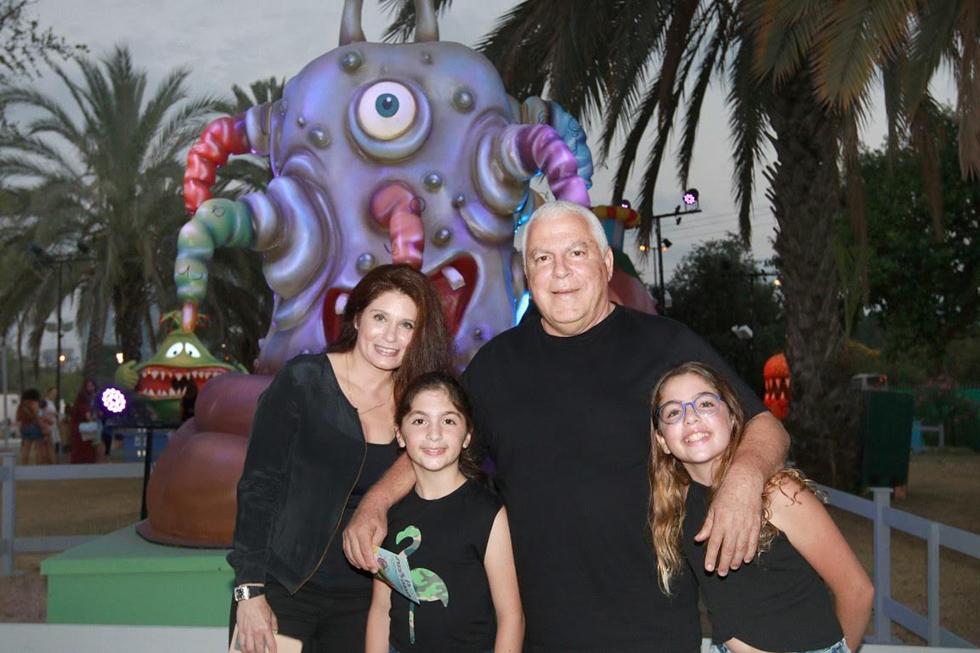 פיני גרשון ומשפחתו (צילום: ענת מוסברג)