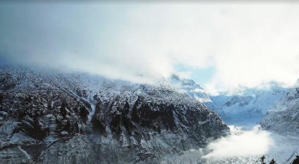 גבוה גבוה: אחת מפסגות הרי האלפים בצרפת