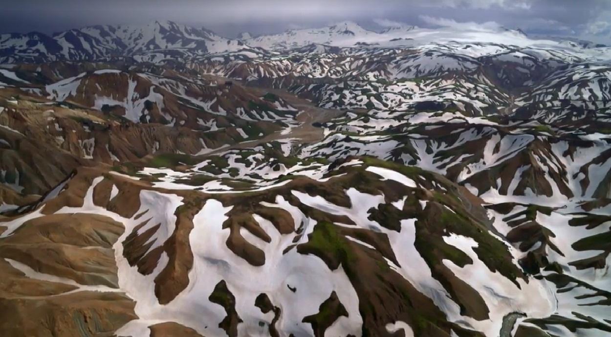 הרי איסלנד בקיץ