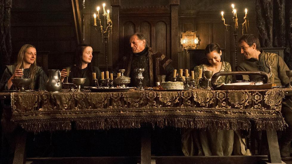 מזכיר קצת את ארוחת השישי שלכם? (צילום: באדיבות HBO  )