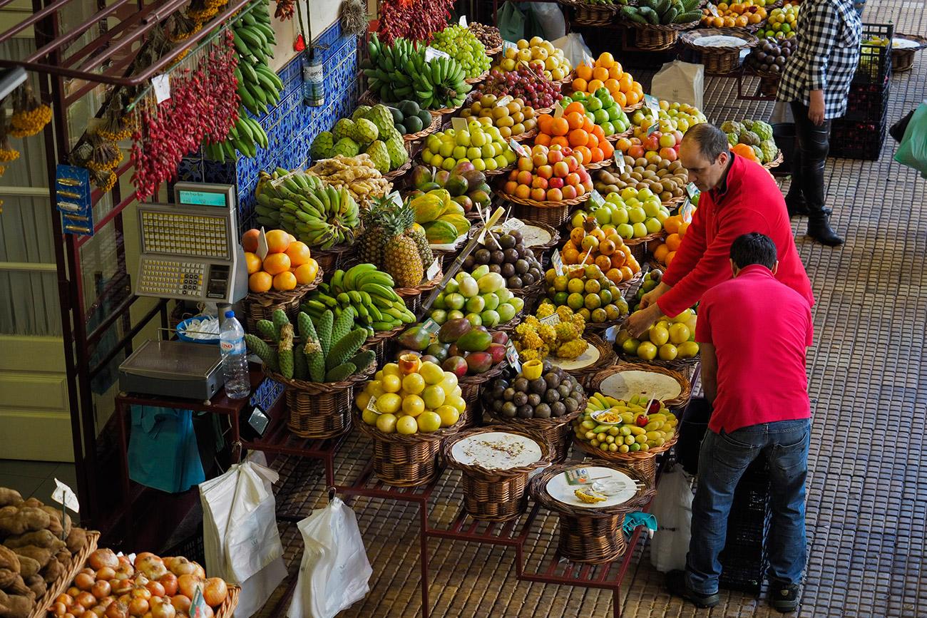 פירות טרופיים בשפע (צילום: ליאור קורן)