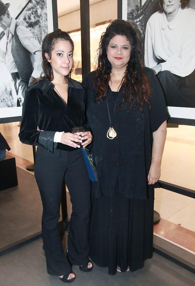 הנשים בשחור. דפנה ואלה ארמוני (צילום: ענת מוסברג)