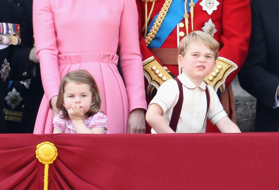 הילדים, ג'ורג' (3) ושרלוט אליזבת (שנתיים). שירותי השמרטפות המלכותיים מאפשרים לדוכסית לא להיות אמא במשרה מלאה (צילום: Gettyimages)