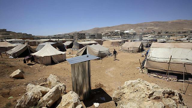 אוהלים בערסאל (צילום: AFP)