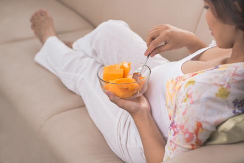את בכלל לא חייבת להיפרד מהפירות (צילום: Shutterstock)