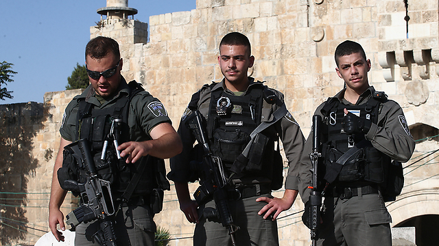 Security forces at the Old City (Photo: Ohad Zwigenberg)