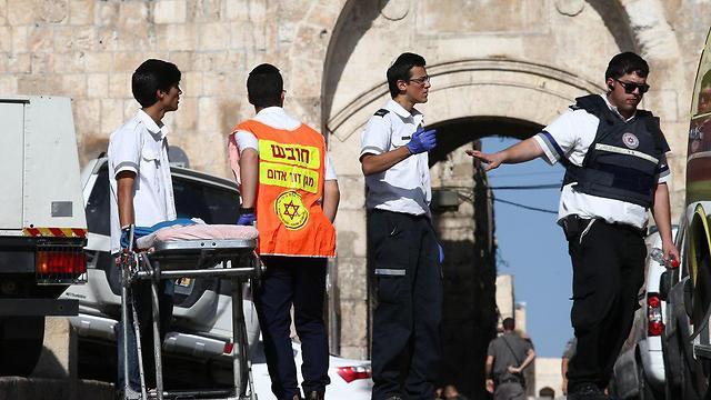 МАДА эвакуирует пострадавших. Фото Охад Цвайгенберг