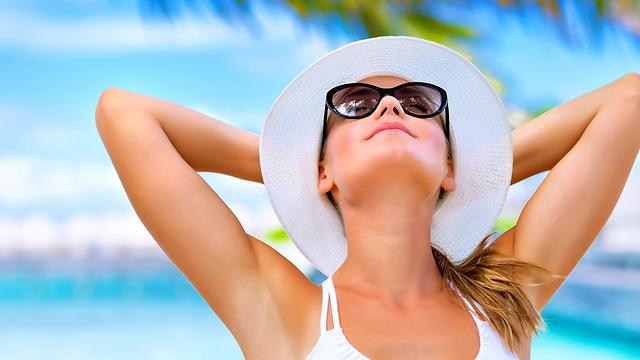 חשפה לשמש מזיקה לעור הפנים (צילום: shuterstock)