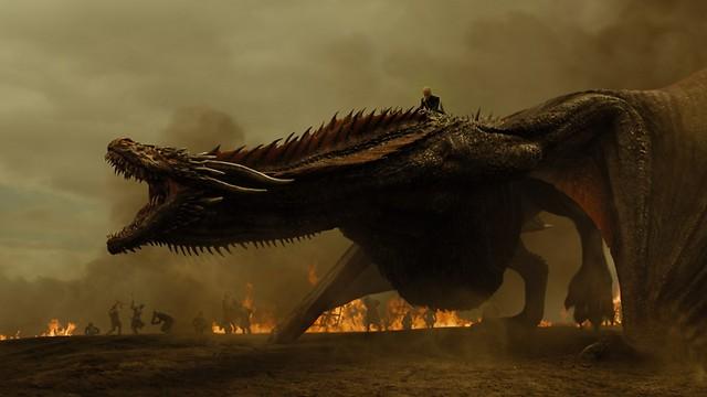 קבלו אותה: אם הדרקונים בפעולה (צילום: HBO)