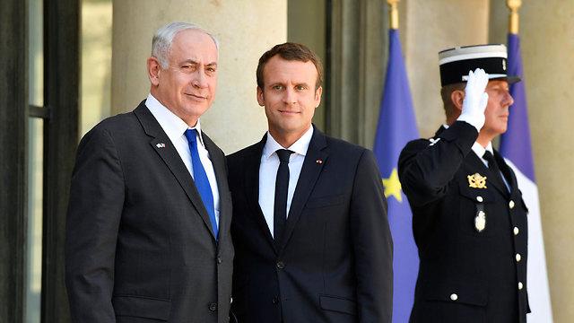 נתניהו ומקרון, היום בפריז (צילום: EPA)
