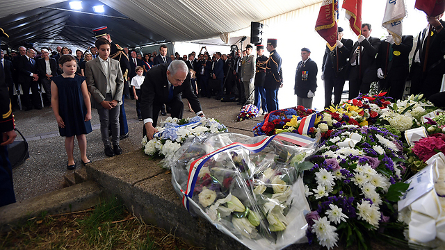 Netanyahu laying a wreath during the ceremony (Photo: Haim Tzah, GPO)