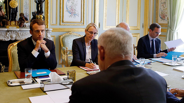 Macron and Netanyahu speak at the Elysee Palace (Photo: AFP)
