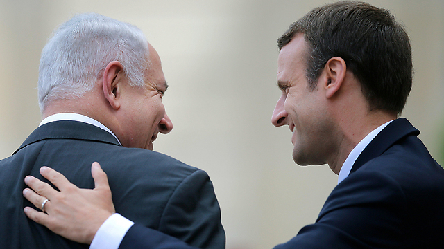 Netanyahu leaving Elysee Palace (Photo: Reuters)