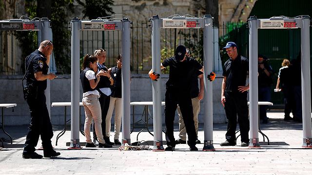 A palesztinok továbbra sem imádkoznak Jeruzsálem óvárosában az al-Aksza mecsetnél