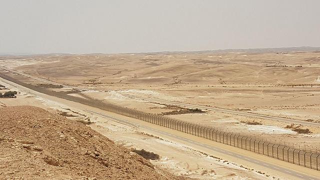גבול מצרים. דאעש לא הרחק משם (צילום: רועי קייס)