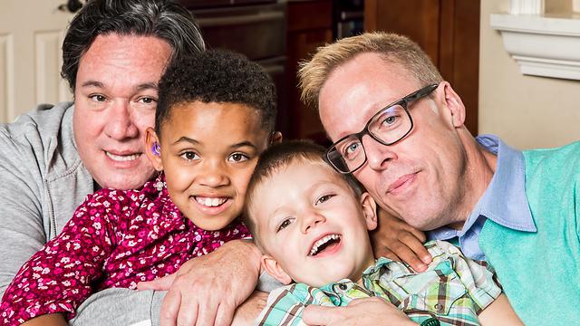 """המדינה החליטה לסמן את האזרחים הלהט""""בים כמי שאינם ראויים לגדל ילדים. למה?! (צילום: Shutterstock)"""