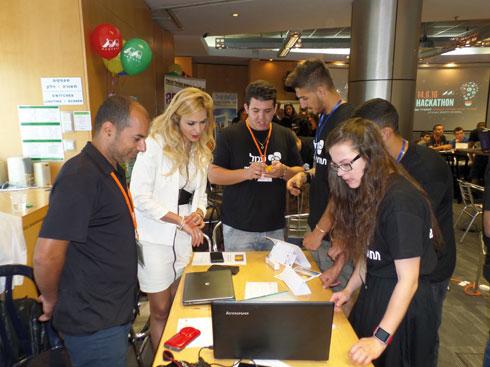 התלמידים עוסקים בפיתוח מיזמים משלב הרעיון ועד המימוש (צילום: באדיבות קבוצת עמל)