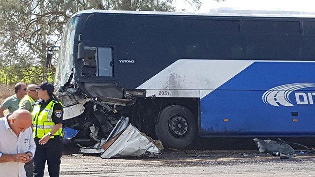 זירת התאונה הקטלנית באזור המועצה האזורית אשכול (צילום: בראל אפרים) (צילום: בראל אפרים)
