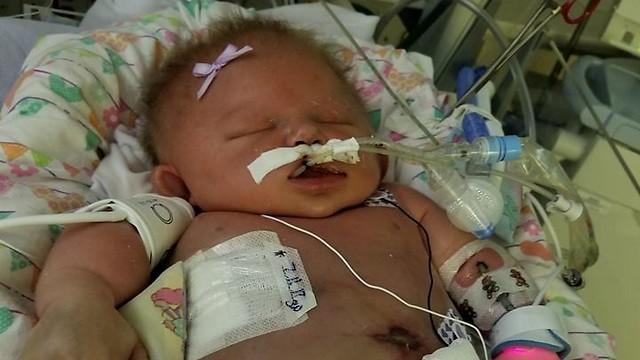 אושפזה במצב אנוש בגיל 6 ימים. התינוקת מריאנה ()