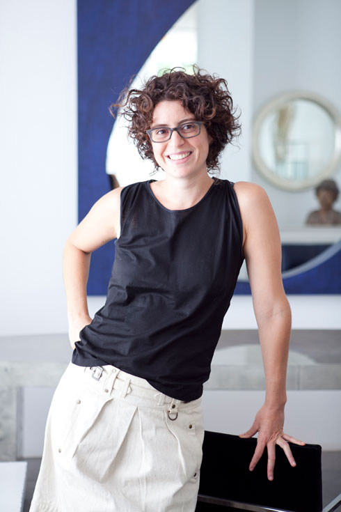 דפנה קסטיאל, נציגת הדור הצעיר במשפחה, שמובילה את המותג ''קסטיאל as is'' (צילום: שירן כרמל)