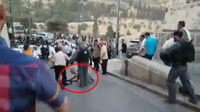 Ynet reporter Hassan Shaalan attacked by police