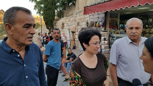 Knesset Members Jamal Zahalka (L) and Hanin Zoabi (center). To hell with the facts