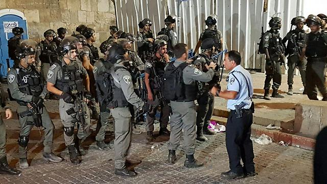Police forces at the scene (Photo: Gil Yohanan)