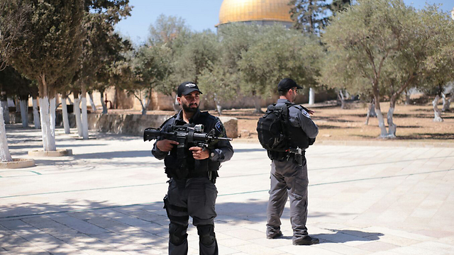 Israeli Border Police at the Temple Mount (Photo: TPS)