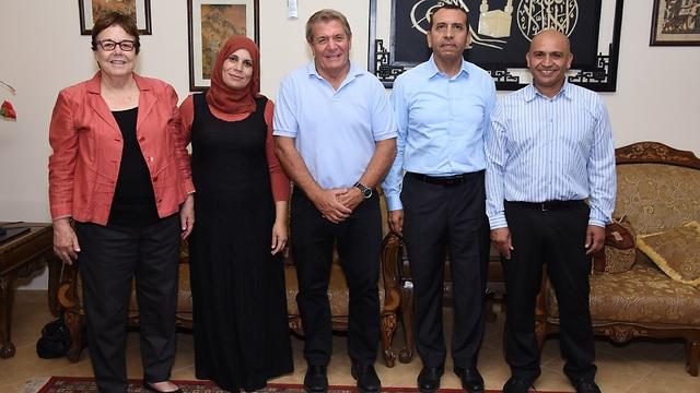 """מייסדי סיראג': פרופ' ג'יהאד אל סאנע, ד""""ר גיורא ירון, חדר אלשייך, סמדר נהב וד""""ר סארה אבו-כף (יח""""צ)"""