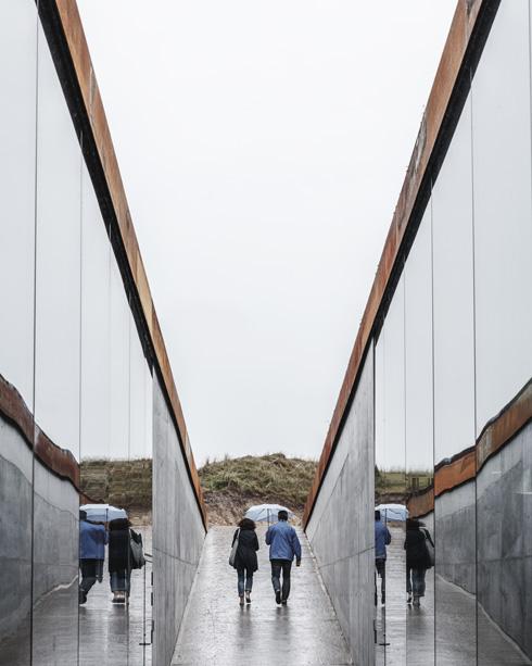 מבט מהמוזיאון אל היציאה (צילום: Rasmus Hjortshoj, Big)