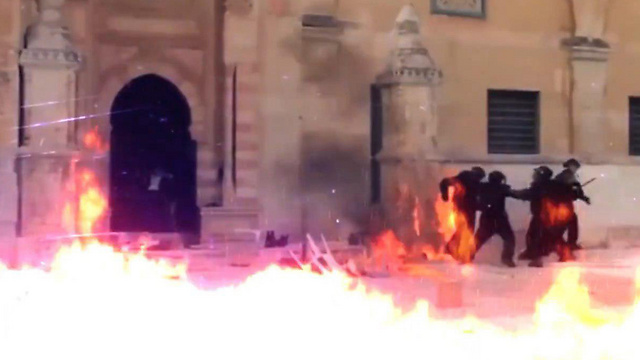 Hamas attempts to depict destruction at Temple Mount by Israeli police