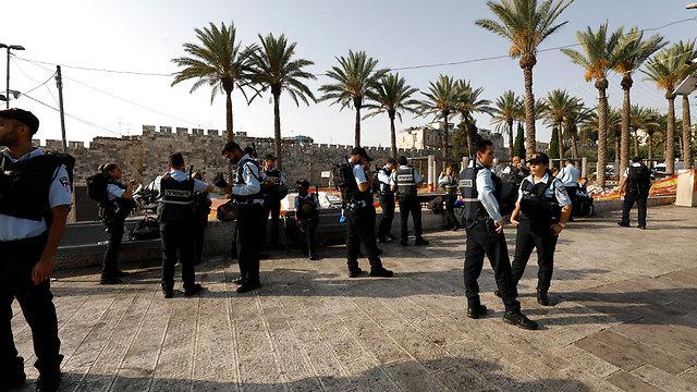 שוטרים בירושלים. תחושת הביטחון בעלייה (צילום: EPA)