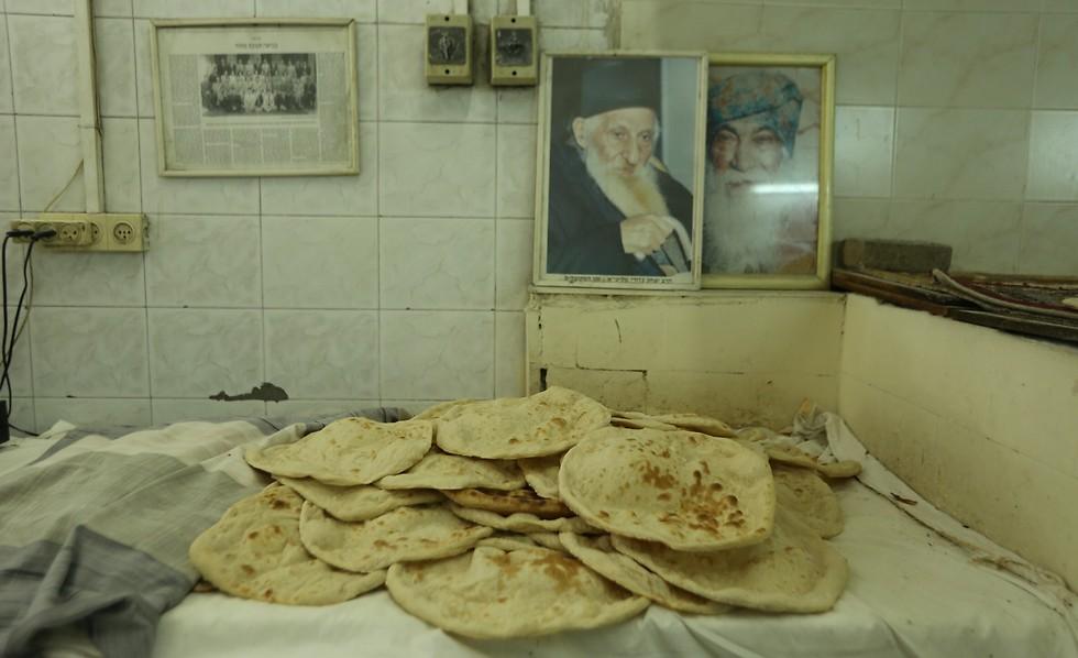 פיתות עיראקיות במאפיית סאלמן (צילום: ירון ברנר) (צילום: ירון ברנר)