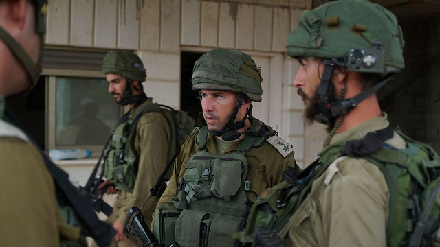 IDF forces briefed following attack (Photo: IDF Spokesperson's Unit)