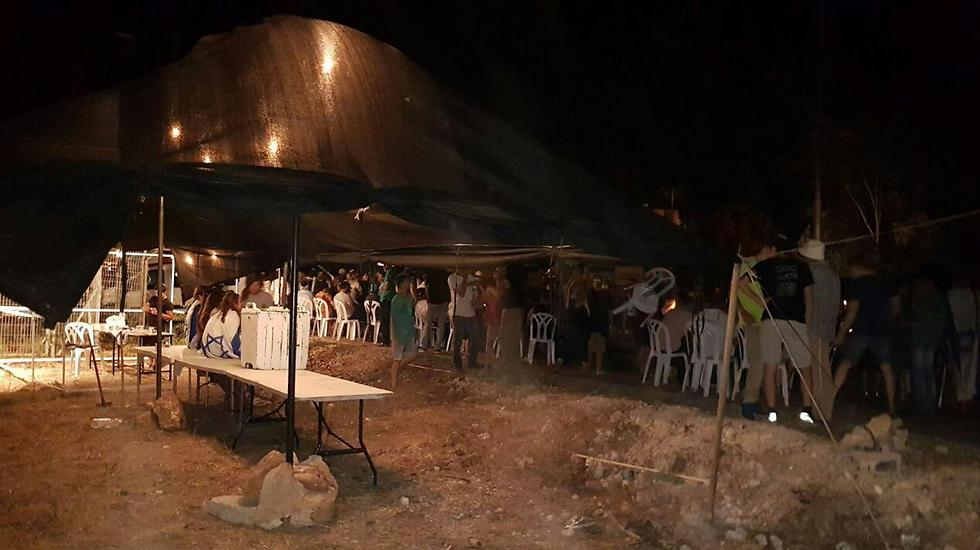 Settlers set up new outpost (Photo: TPS)