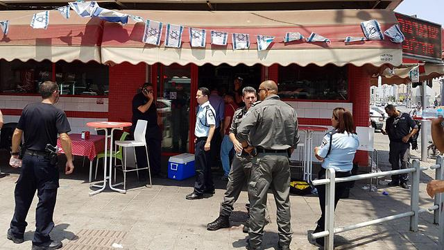 The shawarma stand where the attack took place (Photo: Kobi Richter/TPS)