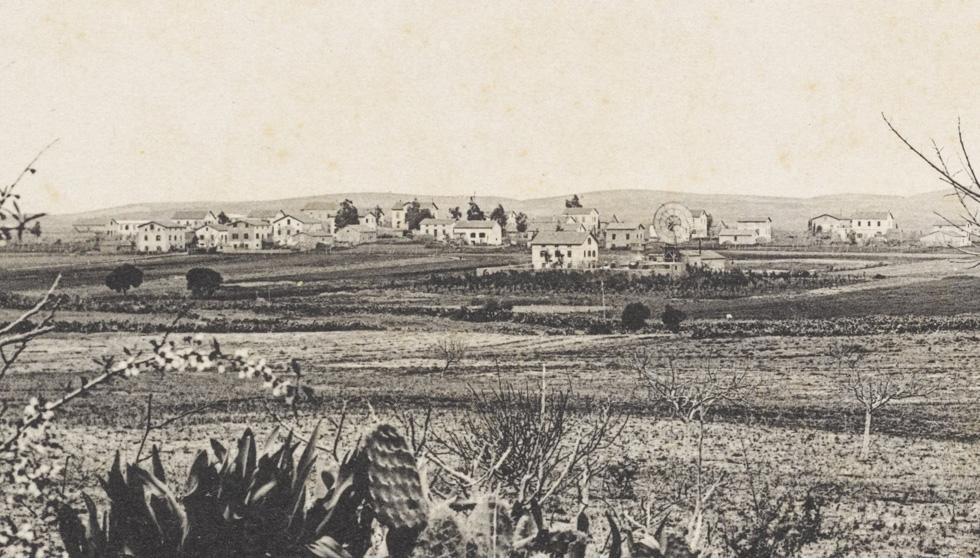 מתחם רשות השידור נמצא בלבה של שרונה ההיסטורית, על בית משפחת ליפמן, שהיה מפורסם כבר בימים ההם