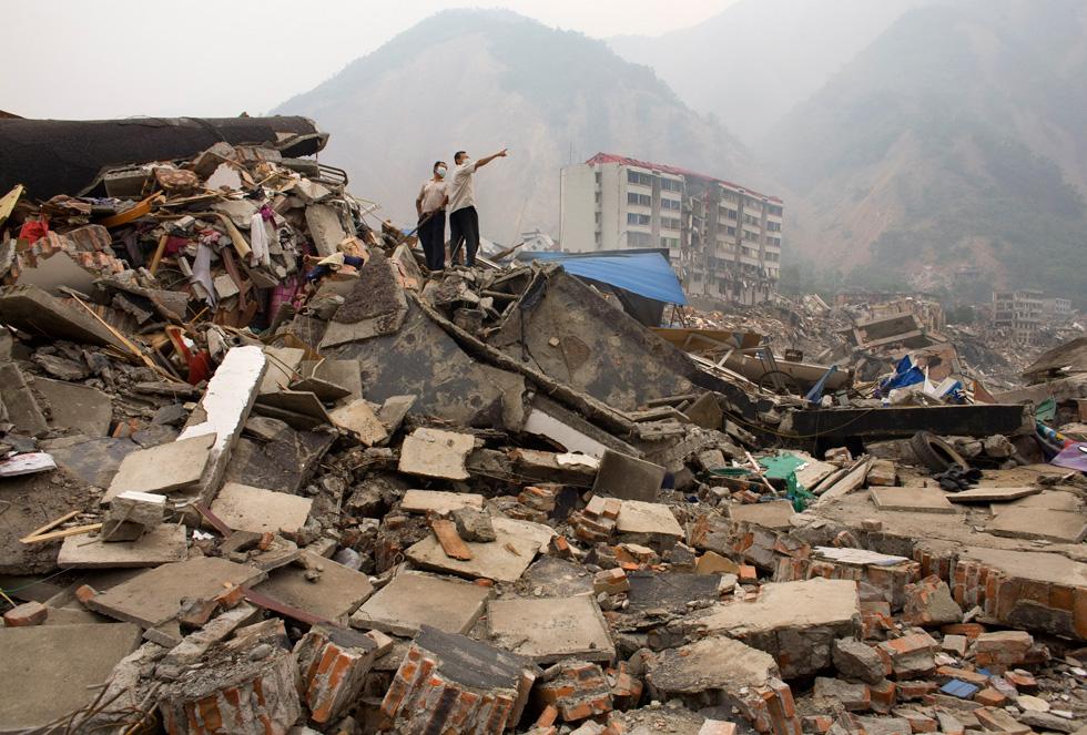 """רעידת האדמה בסין, מאי 2008. """"כל המסעדה התרסקה עליי. נפלתי על הרצפה, הלסת שלי נשברה לשלושה חלקים ואיבדתי את ההכרה"""" (צילום: Gettyimages)"""
