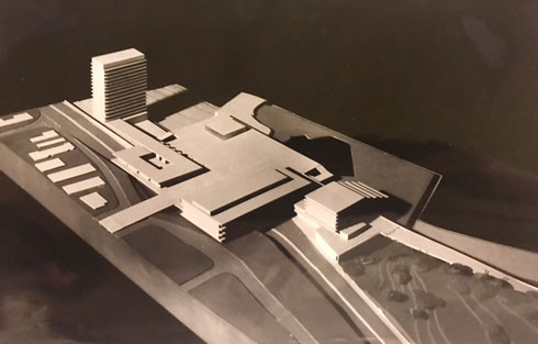 התוכנית המקורית של יעקב רכטר, שבנו אמנון מחזיק במשרדו היושב בכיכר אתרים (מודל: באדיבות ארכיון משרד רכטר אדריכלים)