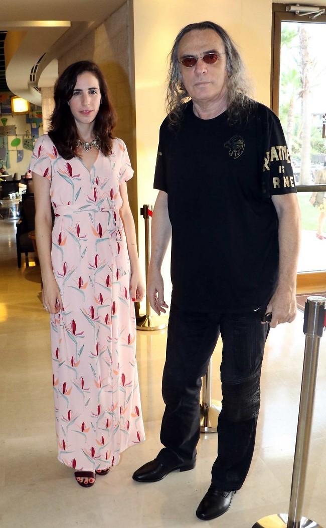ייעדר מהחתונה לאור מצבו הרפואי. צביקה פיק ובתו, שרונה ביולי 2017 (צילום: אמיר מאירי)