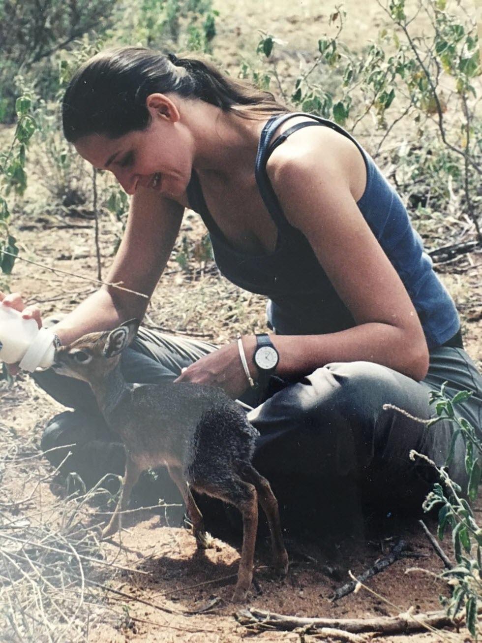 הטבע הוא אהבה ראשונה וגדולה. רונה באפריקה. (צילום: מהאלבום הפרטי של רונה) (צילום: אפריקן דרייב) (צילום: אפריקן דרייב)