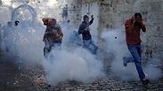 אבנים, בקבוקים ורימוני הלם: תיעוד המהומות הקשות מהר הבית
