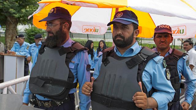 ייעוץ והדרכה בלבד בסעודיה? כוחות ביטחון פקיסטניים (צילום: AP) (צילום: AP)