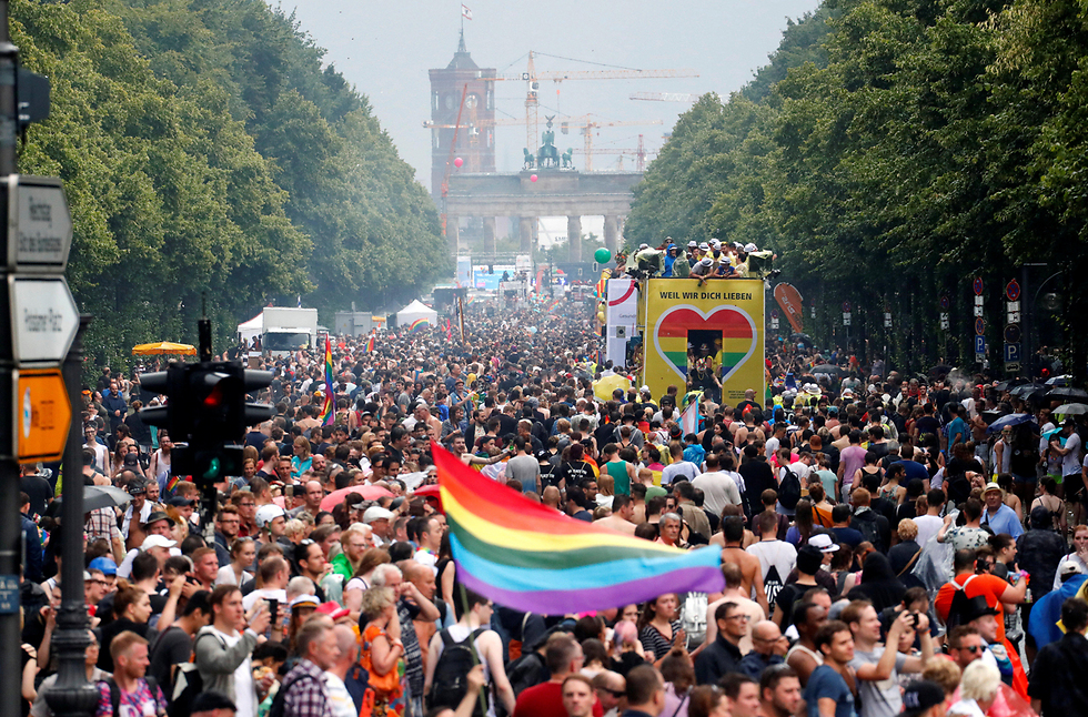 כאן החופש: מצעד הגאווה בברלין (צילום:  רויטרס)